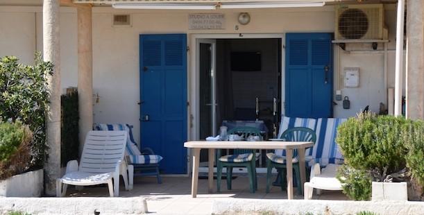 location studio bord de mer à hyeres var cote d'azur idéal vacances au soleil