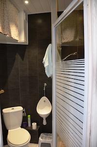 salle de bain studio 5 résidence altitude zero à hyères var bord de mer